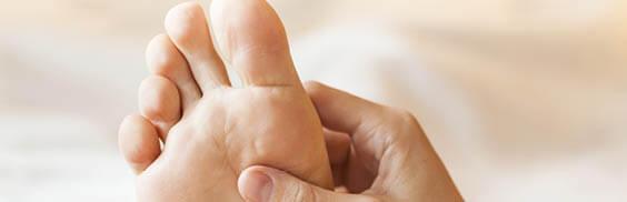Massage d'un pied